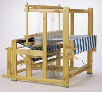 Glimakra Standard Floor Loom: Countermarch (expands up to 10-shaft) | Countermarch Floor Looms